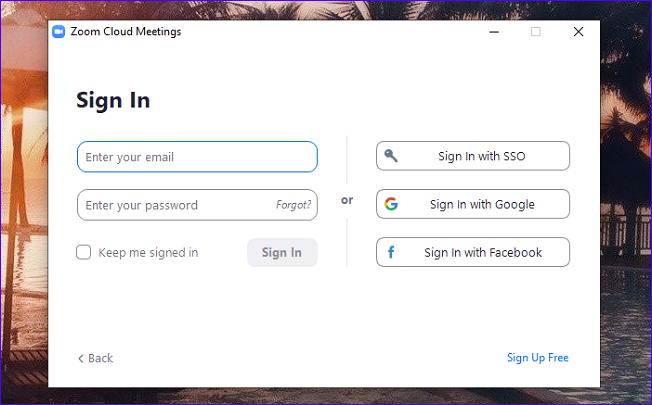 Ввод почты и пароля в Zoom Cloud Meetings на ПК